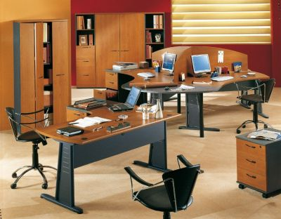 Executive Open Plan Office Space In An Alder Finish